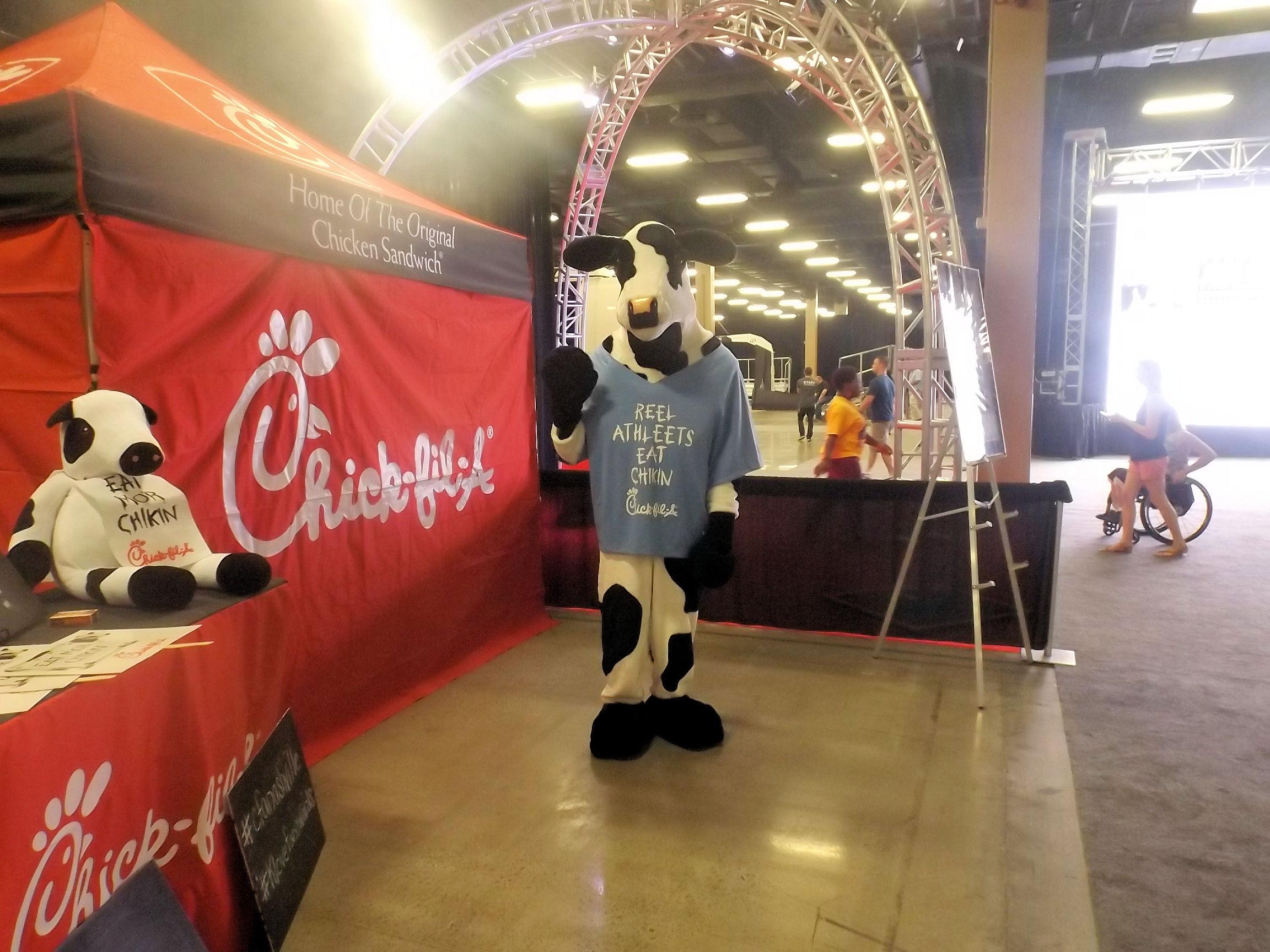 K-LOVE 2014 Fan Weekend Chick-Fil-A Cow