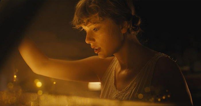 """Taylor Swift's """"Folklore"""" dominates Offical Album Chart for two weeks"""