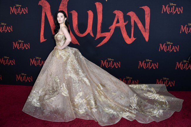 Disney's Mulan Review: Historic Sword But With A Blunt Edge