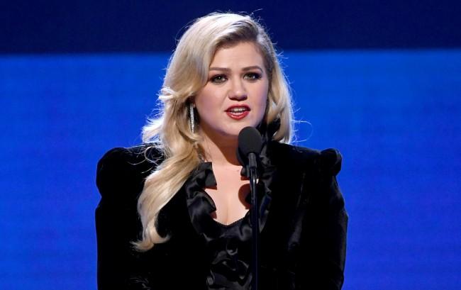 Kelly Clarkson Admits Divorce Has Been