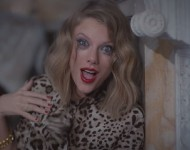 Taylor Swift plays insane in