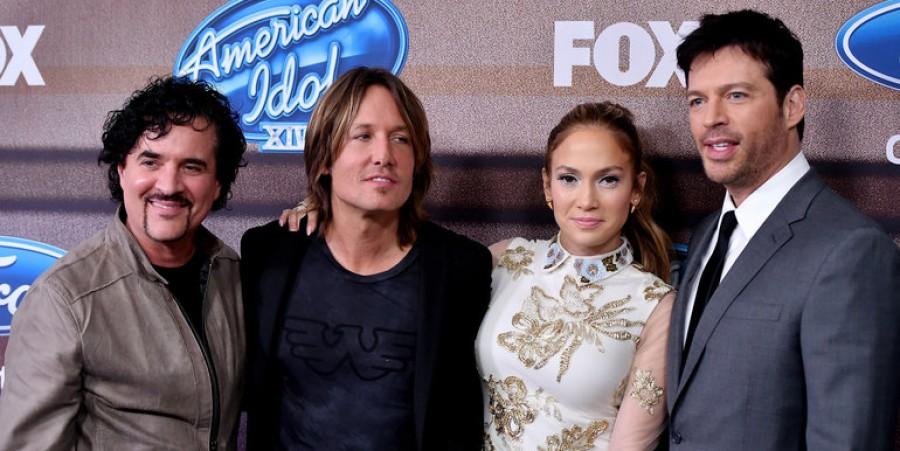 Scott Borchetta (left) with the American Idol judges
