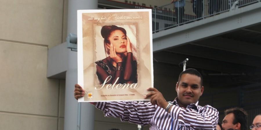 'Selena Vive' Tribute