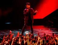 The Weeknd performs at 2015 MTV VMAs