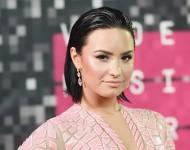 Demi Lovato attends 2015 MTV VMAs