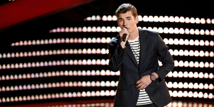 Zach Seabaugh performs on 'The Voice'