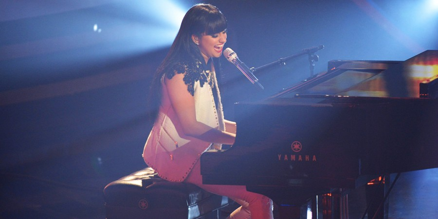 Jena Irene sings