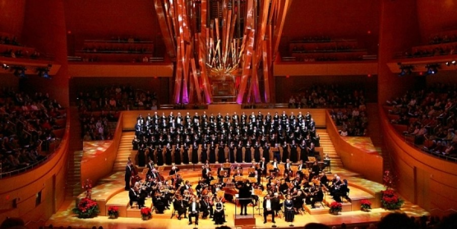 Los Angeles Master Chorale Celebrates 50th Anniversary with Bach's 'B Minor Mass' at Disney Hall