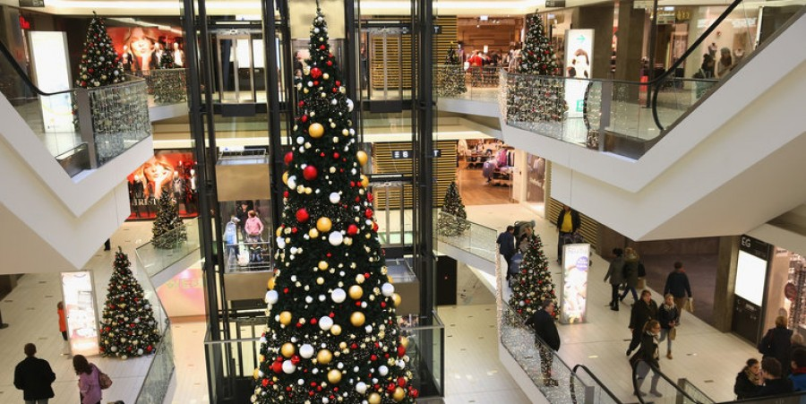 Stores Stay Open For Sunday Shopping Before Christmas