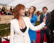 Actress Susan Sarandon (L) and Eva Amurri attend The 22nd Annual Screen Actors Guild Awards at The Shrine Auditorium on January 30, 2016 in Los Angeles, California. 25650_018