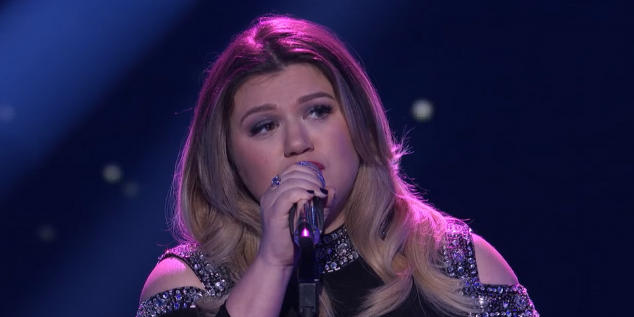 Kelly Clarkson performs 'Piece by Piece' on 'American Idol'