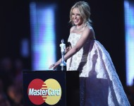Best British Male Solo Artist award presenter Kylie Minogue on stage at the BRIT Awards 2016 at The O2 Arena on February 24, 2016 in London, England.