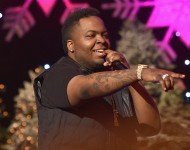 Sean Kingston performs onstage during the 2015 Hollywood Christmas Parade on November 29, 2015