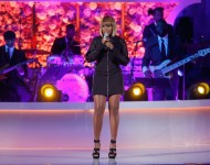 Mary J. Blige performs onstage at VH1's 'Dear Mama' Event on May 3, 2016 in New York City