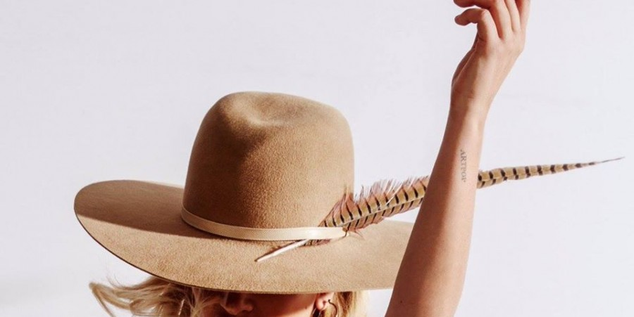 Lady Gaga A-YO