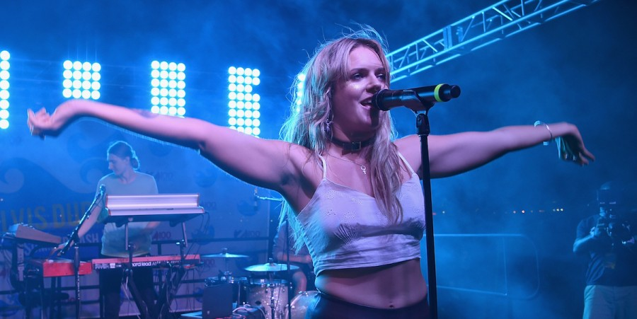 Tove Lo performs during Elvis Duran's End Of Summer Bash at Hornblower Cruises, Pier 15 on August 25, 2016