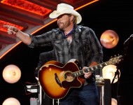 Toby Keith performs during the 2016 American Country Countdown Awards at The Forum on May 1, 2016
