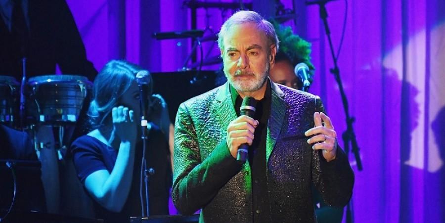 Neil Sedaka, Barry Manilow Show Their Support To Neil Diamond After Parkinson's Diagnosis