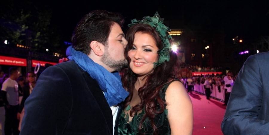 Oh, Penelope: Anna Netrebko and Yusif Eyvazov Tie Knot and Show Off 62,000 Euro Engagement Ring