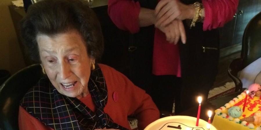 nancy sinatra snr passes away