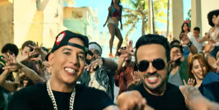 """Luis Fonsi and Daddy Yankee singing the tremendous hit """"Despacito"""""""