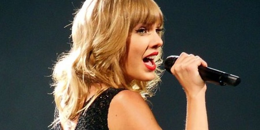 Taylor Swift sure knows how to keep her fans happy with her personal tokens and gifts.