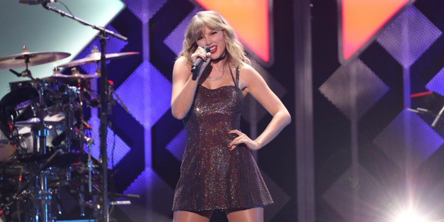 6 Songs From Taylor Swift That Reached The Number One Spot in Music Charts
