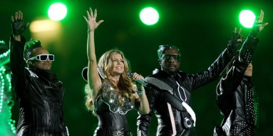 Black Eyed Peas Performed In the MTV's VMA But One Member Seems Missing