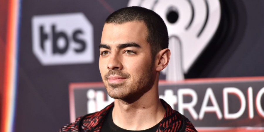 Joe Jonas Eyes on Following ex Taylor Swfit's Footsteps, Says He Intends to Re-Record Entire Jonas Brothers' First Album