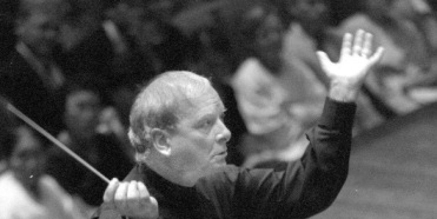 Christopher Hogwood, founder of The Academy of Ancient Music, Dies at 73